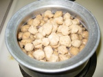 put soya chunks into water